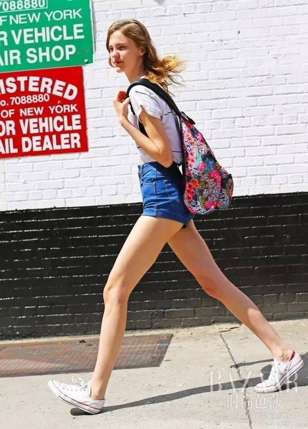 那双很舒适但容易穿丑的运动鞋,到底该如何穿好?