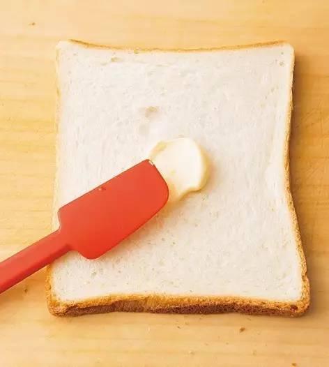 难道我吃的是个假的三明治?
