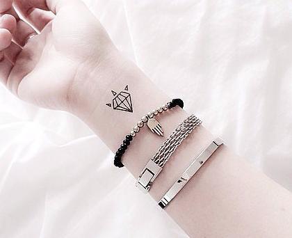 OMG!这可能是今年最酷炫的纹身