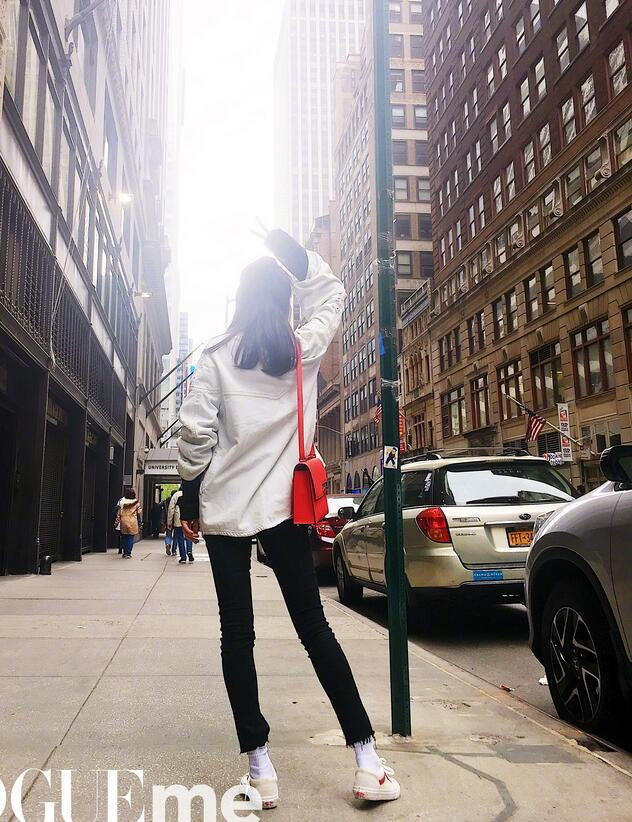 卖少女人设 穿着VANS小白鞋的杨幂、李小璐最懂