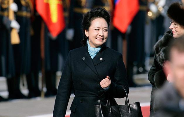 惊的中国时尚事件,这套衣服正是出自马可.-第一夫人 品牌的未来