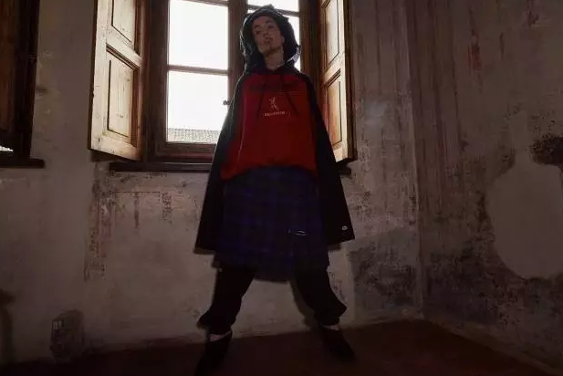 新年第一草 杨幂刚穿上这衣服,全球断货了