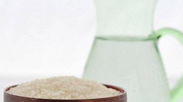 当白糖食盐遇到洗脸水,还可以清洁净白肌肤?