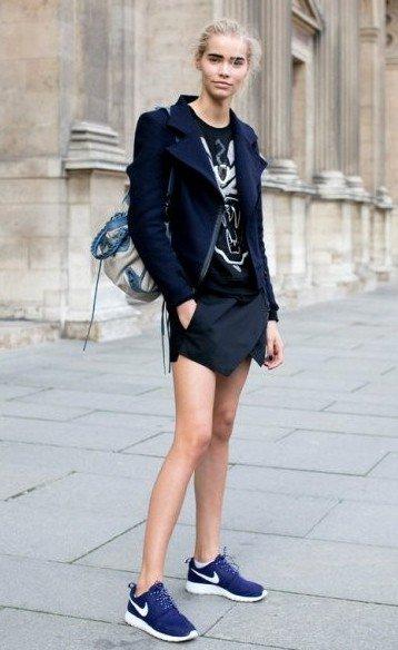 裙子+运动鞋的15种混搭法