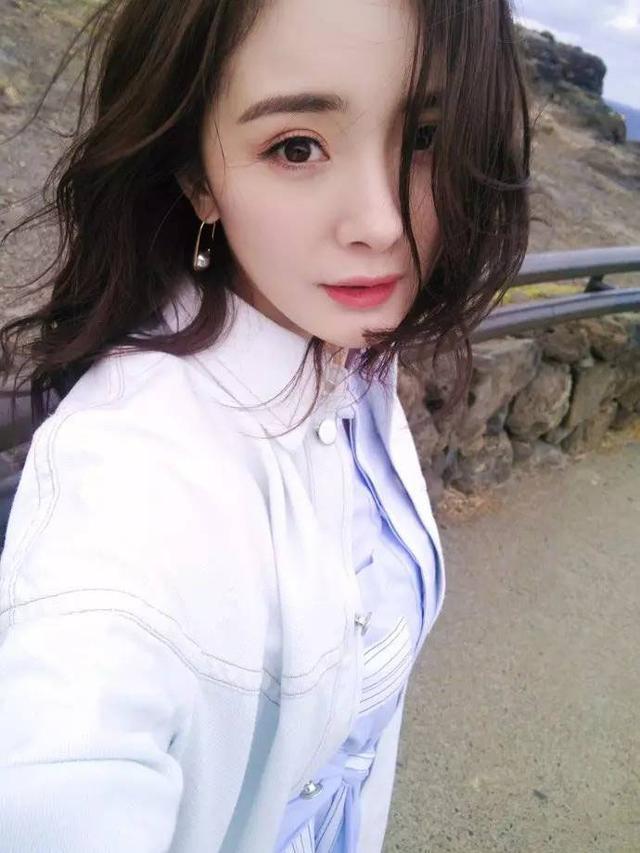 """2017妆容流行淡一点,刘诗诗倪妮都把妆""""脱""""光啦!"""