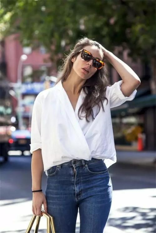 白衬衫牛仔裤美女ed2k