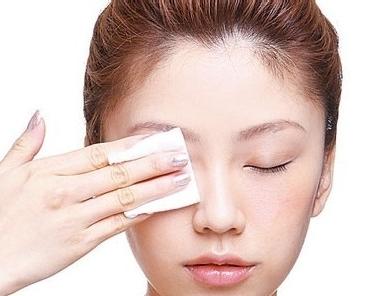 还不早睡?再贵的眼霜也拯救不了你熬过的夜!