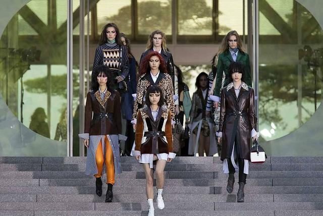门道时尚头条 | LV京都举办早春大秀 以后自拍可以直接做成表情包