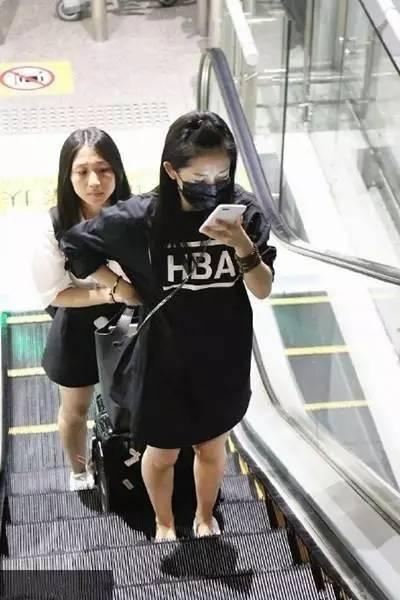 谢娜终于怀孕 好羡慕她和杨幂昆凌的同款小脸