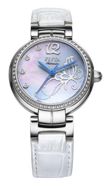 用一块白色腕表来决定你的优雅气场