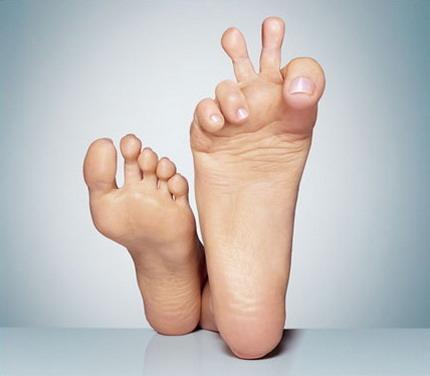脚板挫OUT了?磨脚神器让您成为美足小丽人
