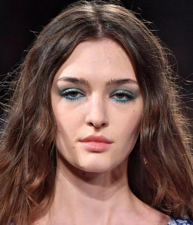 去不了纽约时装周没关系,但是这几款眼妆你必须get!