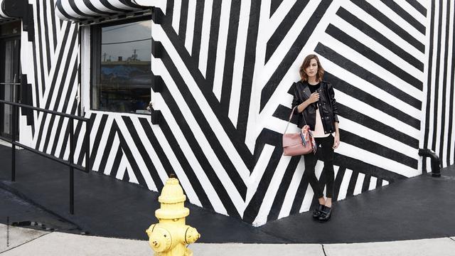 Longchamp新系列包包走时尚路线 朋克摇滚风浓厚