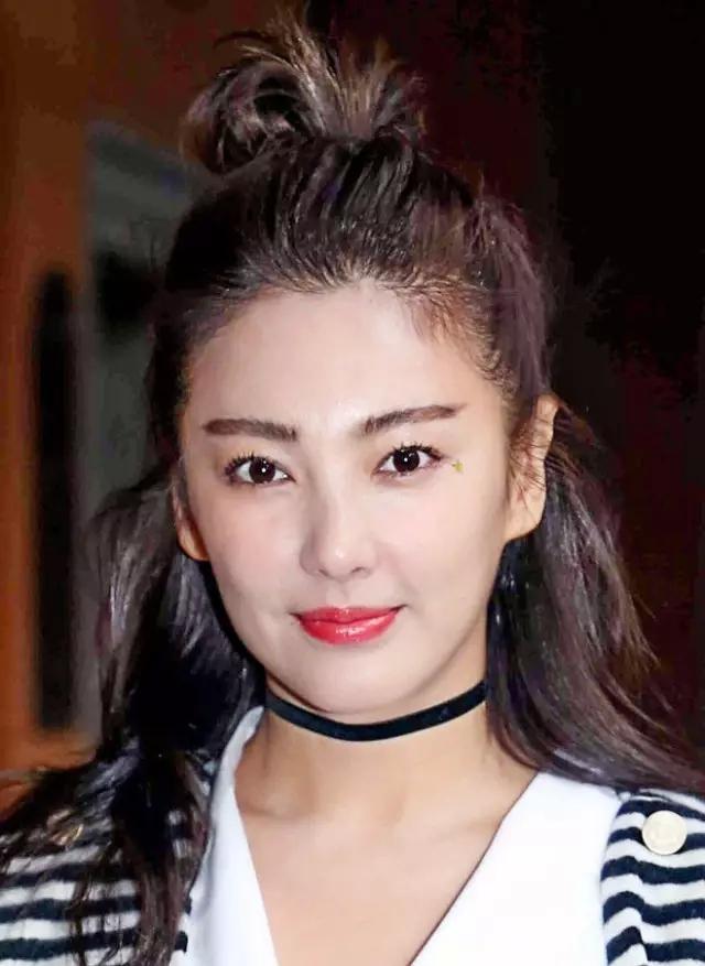 高圆圆发型v发型女星都在半扎丸子头韩式斜刘海的吹法图片