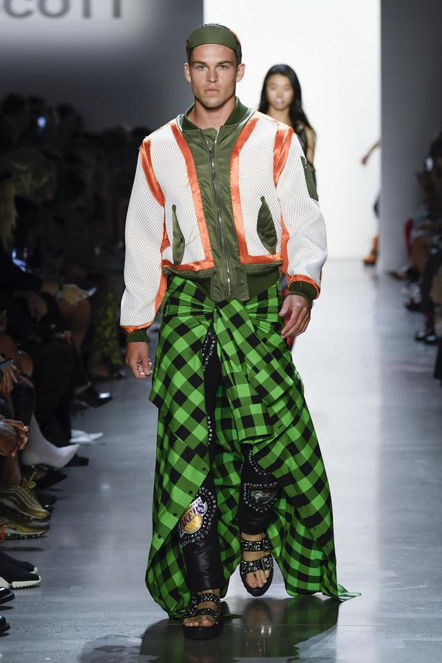 STACCATO X JEREMY SCOTT 玩酷2019春夏纽约时装周