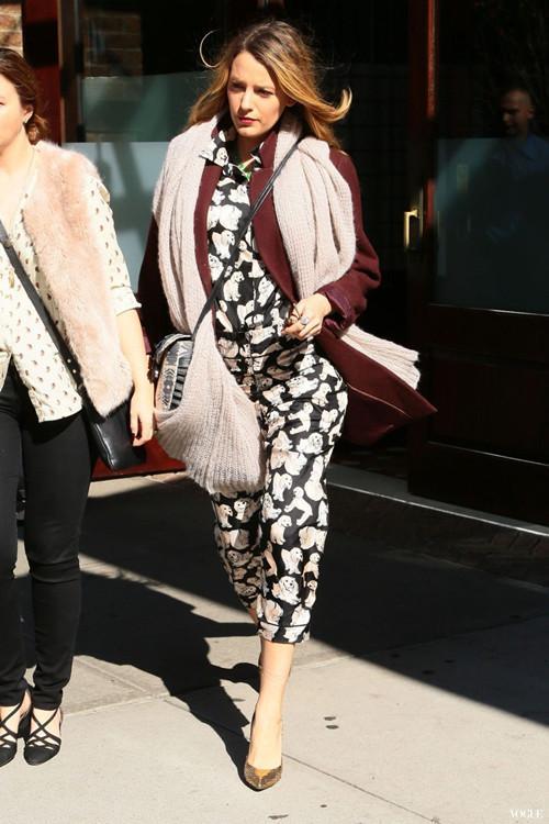 布莱克·莱佛利的准妈咪時尚穿搭最佳示范