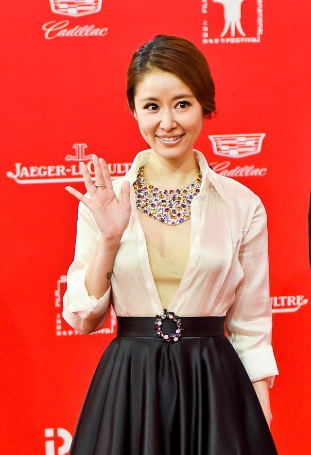 上海电影节红毯|还珠格格们PK,仙女们PK,鲜肉们PK,腊肉们PK