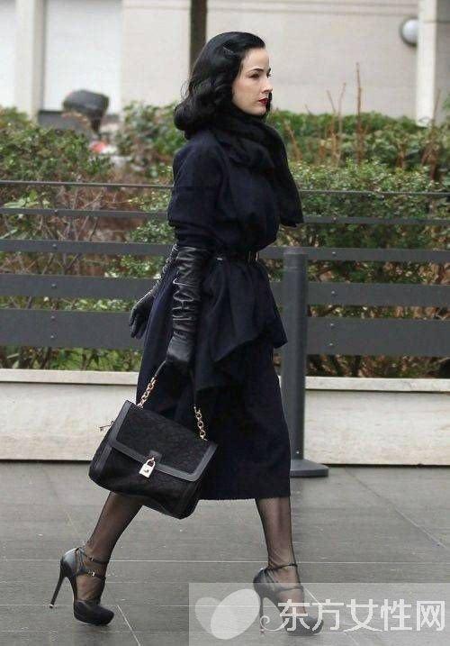 正流行!全身黑时尚穿衣搭配分享