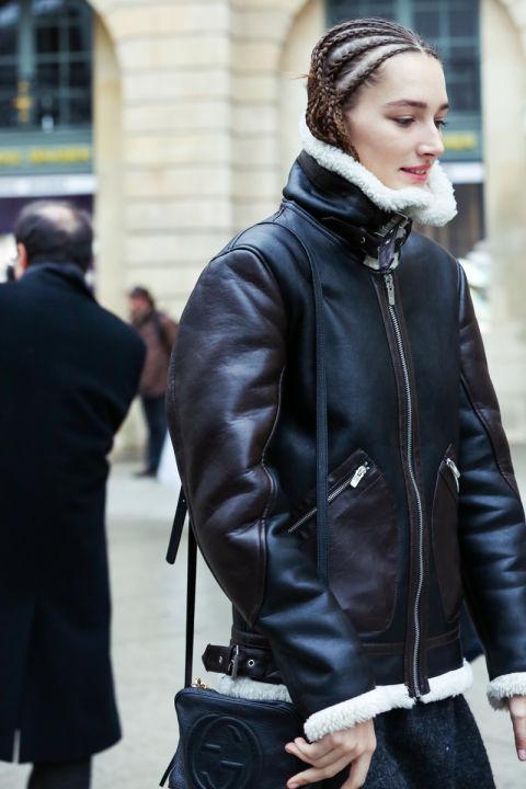 教你时装周街拍曝光率最高的剪羊毛外套怎么穿