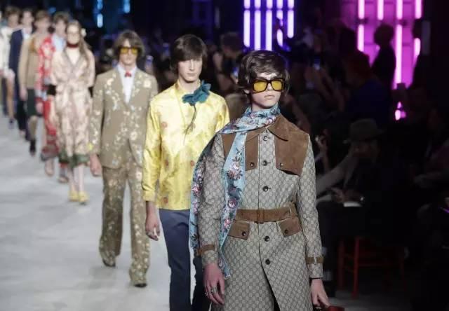 无性别时装: 21世纪第二个十年的时装核心?