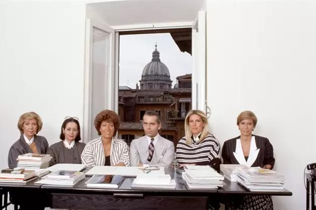 门道时尚头条 | Saint Laurent 未来营收可达30亿欧元 FENDI 荣誉总裁去世