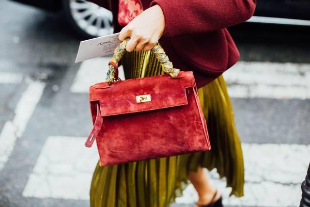 包包 | 天冷了!暖暖手的天鹅绒包包大步迈进,这个适合你!