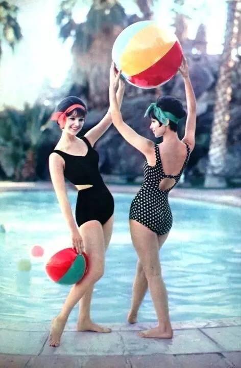这件泳衣,满足今年夏天所有的幻想