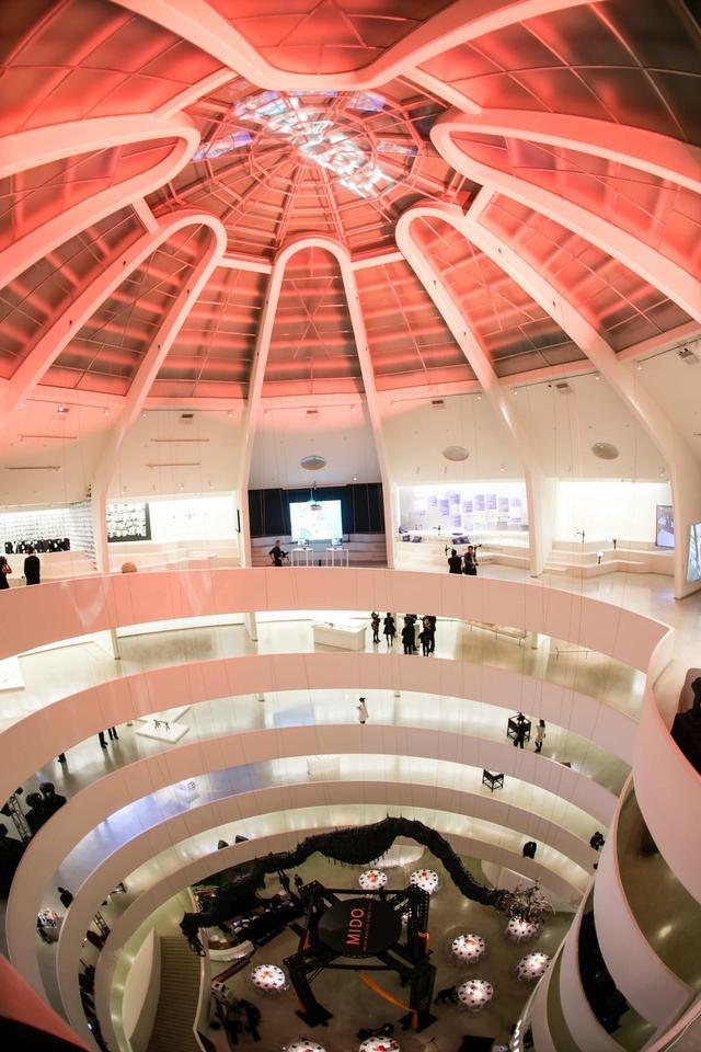 制表技艺与建筑美学的完美搭配,将经典建筑戴于腕间
