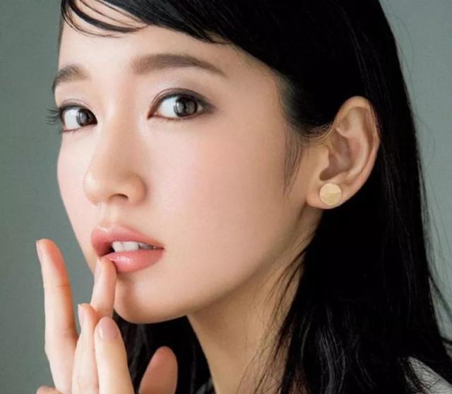 就问你,日本女生妆容的高级细腻感你要不要学?