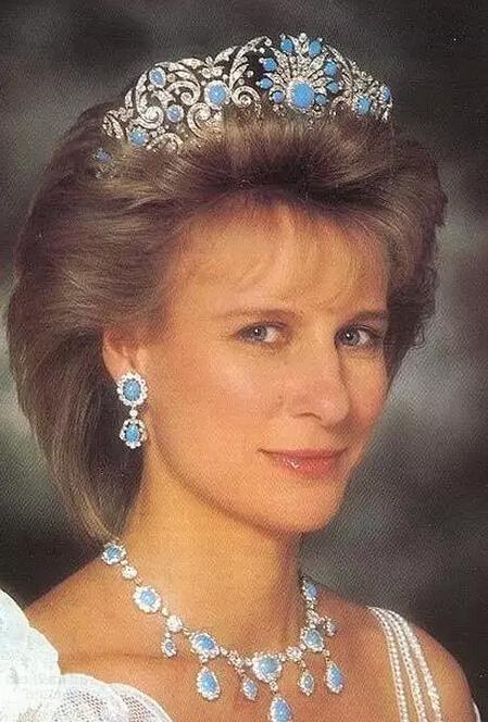不明觉厉 8位王妃与她们的王冠背后的故事