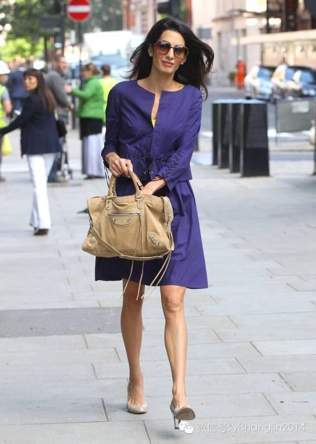 35岁美女律师告诉你这样穿衣既职业又有女人