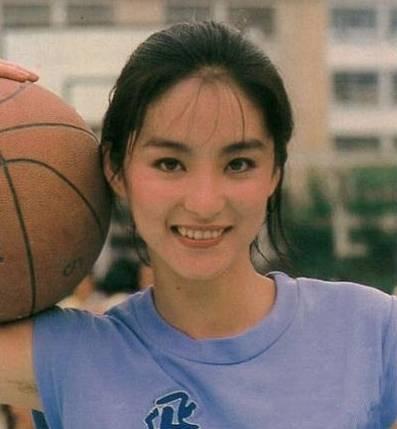 日本最美女大学生出炉,跟我们的黄灿灿、奶茶妹妹比哪个好看?