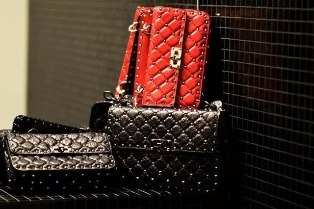 """90秒知道 有一种包叫""""范爷的新宠""""Valentino新款包简直让人魂牵梦萦"""