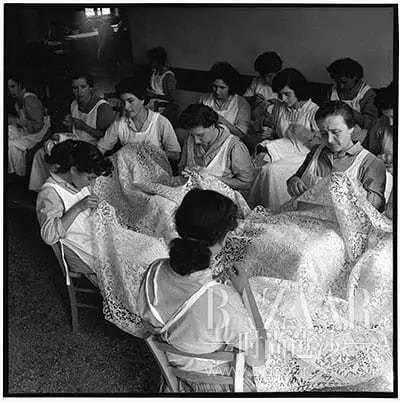 古代的贵族女孩不打毛线只爱打蕾丝!蕾丝怎么就变成了贵族情结?