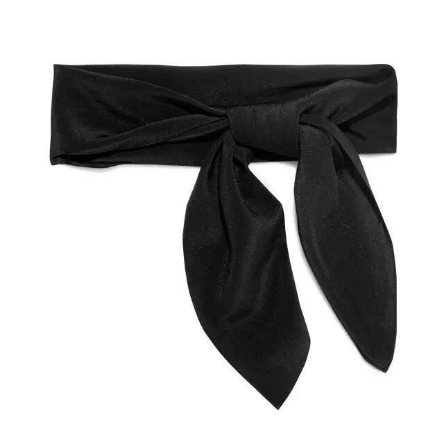 秋冬快速时髦?一条丝巾帮你搞定所有搭配