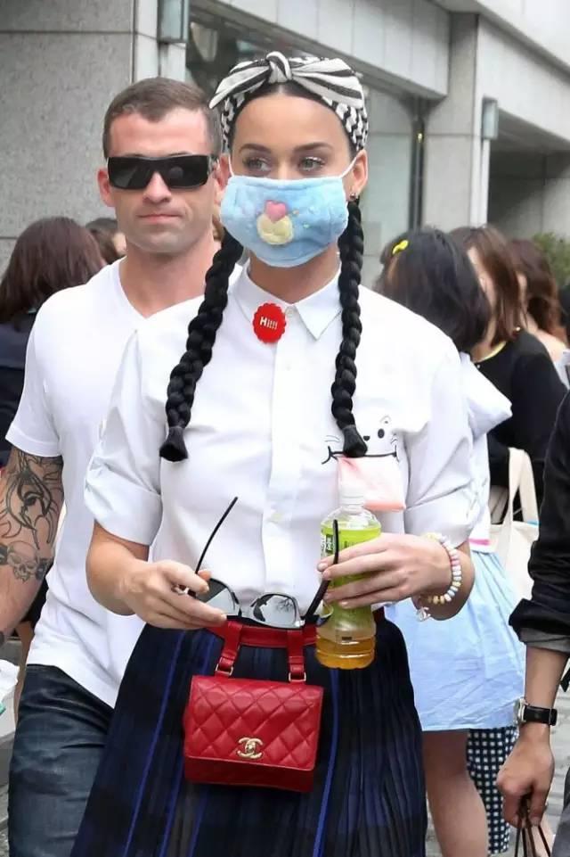为什么日本的青春人这么喜乐戴口罩?