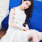 刺绣手拿包白色仙女裙,刘亦菲化身小仙女