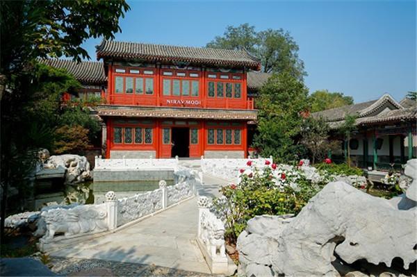 抹谷红宝石惊艳亮相北京,璀璨奢华烙印于心
