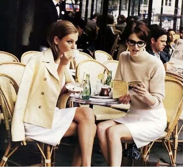 你还在买买买?在巴黎,法国人只需十件衣!