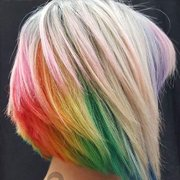 哪个妹子还没有个彩虹发的玛丽苏梦呢?