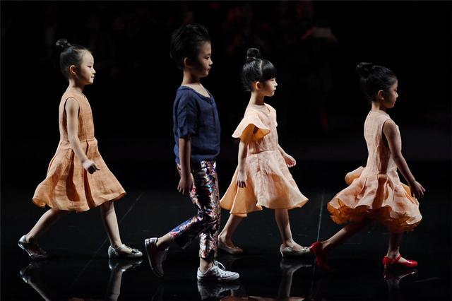 首届中国重庆国际少儿时尚周中国超级童模精英赛开启图片