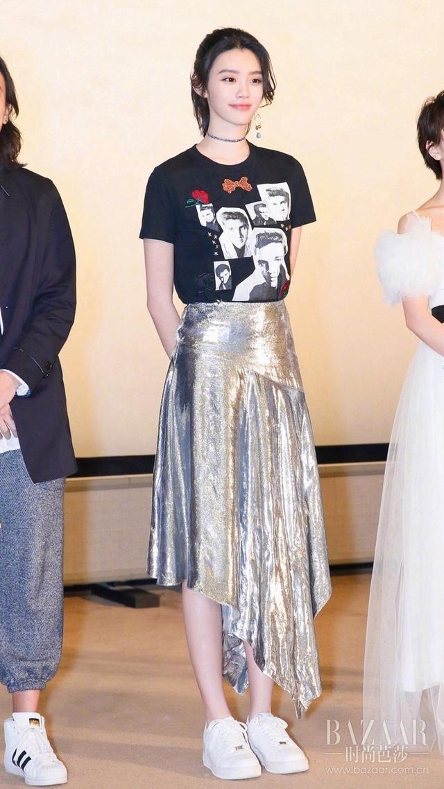 宋茜Jolin走路生风的秘密竟是裙边小心机?穿得有趣不代表我不是乖女孩!