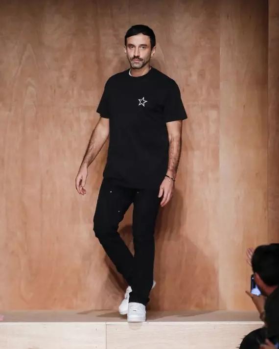 Riccardo Tisci在Givenchy的12年,贡献了多少经典爆款?