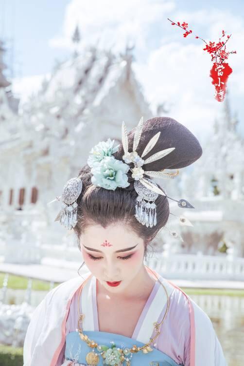 第三站:泰国,清莱白庙,一眸一笑,美如仙子