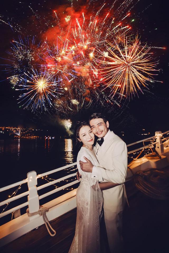 """""""小包总""""杨烁海岛举办浪漫婚礼  Mr. Dandy西装打造又一伴郎天团"""