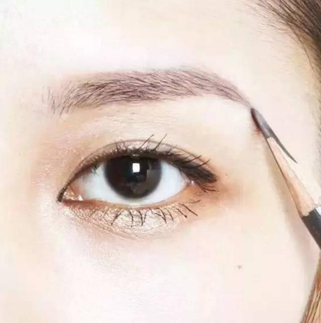 学化淡妆吧,做个美美哒假素颜女神