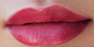 适合秋冬的唇膏颜色推荐 雾霾天也有好气色