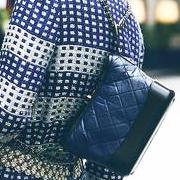 时尚爱豆钟爱的街拍利器Gabrielle手袋