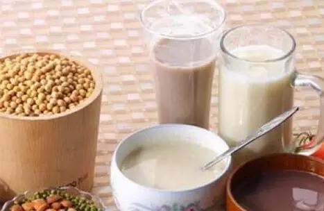 喝牛奶的女人与喝豆浆的女人 真的差别好大