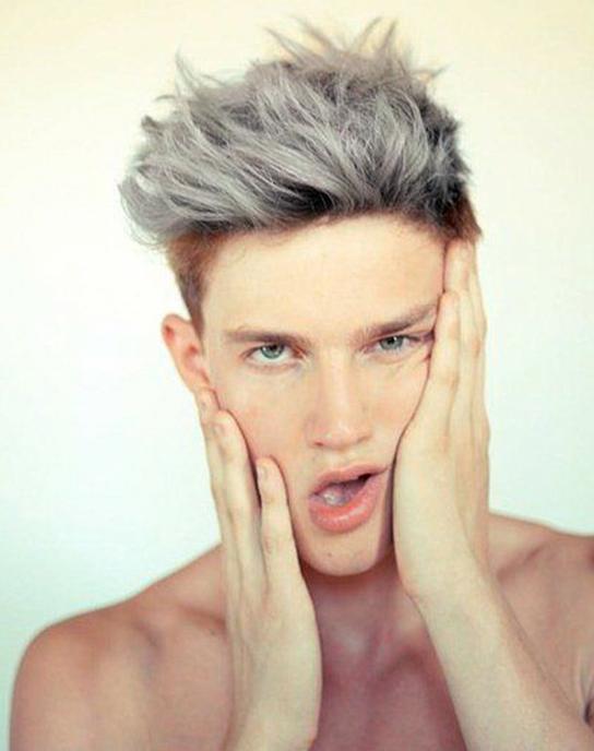 两款短发奶奶灰发型总有一款适合你